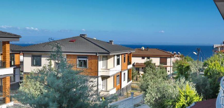 Altınoluk Satılık Villa / Merkezde /Deniz Manzaralı
