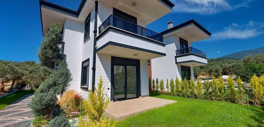 Altınoluk Satılık Villa / Deniz Manzaralı/ Müstakil Bahçeli