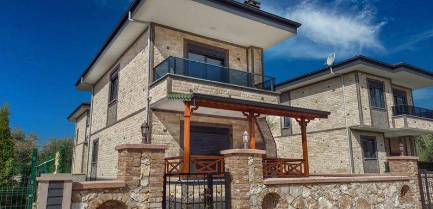 Altınoluk Merkez Satılık Bağımsız Villa / Müstakil Tek
