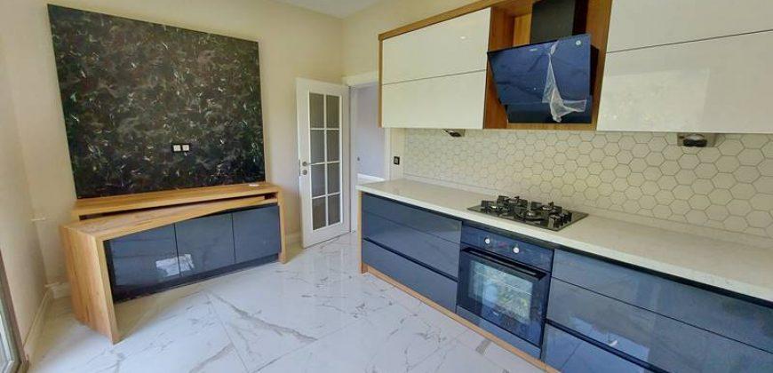 Altınoluk Satılık Villa / 4+1 Müstakil / Denize 100 Metre / Deniz Manzaralı